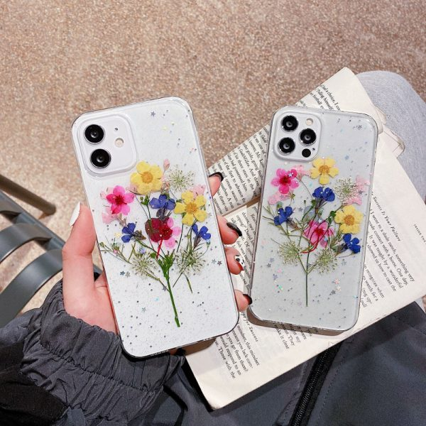 Dried Flowers iPhone 12 Case