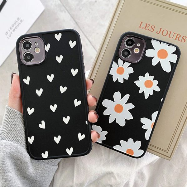 Daisies & Hearts Cases - FinishifyStore